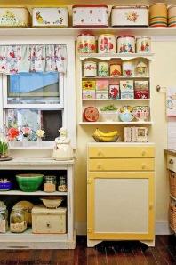Full colours vintage kitchen