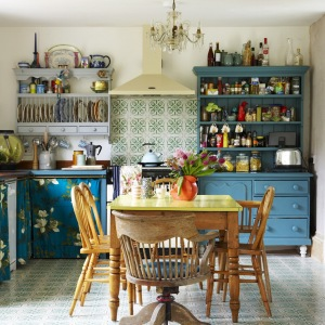How to style your kitchen in a friendly budget vintage way